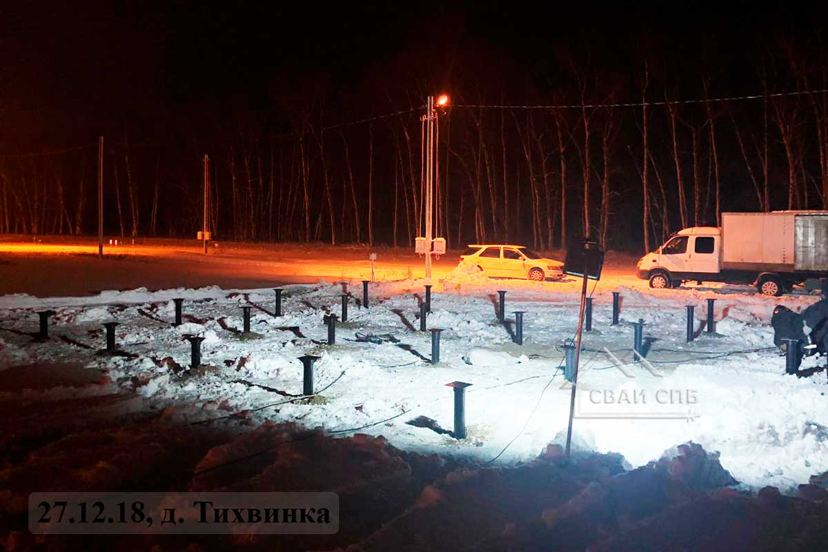 Гатчинский район, д.Тихвинка, фундамент на винтовых сваях для дома и бани